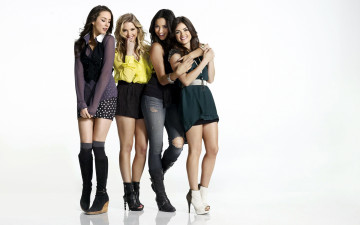 Картинка кино+фильмы pretty+little+liars troian bellisario ashley benson lucy hale shay mitchell