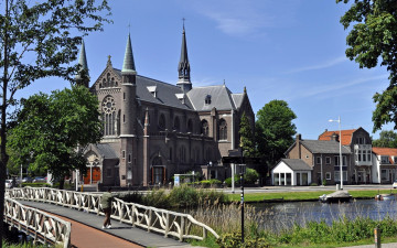 обоя church in alkmaar,  netherlands, города, - католические соборы,  костелы,  аббатства, netherlands, church, in, alkmaar