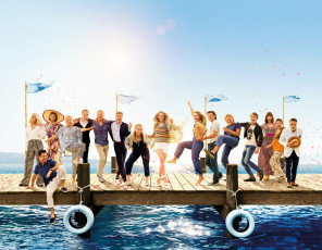 обоя mamma mia 2 , 2018, кино фильмы, mamma mia,  here we go again, movie, mamma, mia, here, we, go, again, лили, джеймс, мэрил, стрип, аманда, сайфред, мюзикл