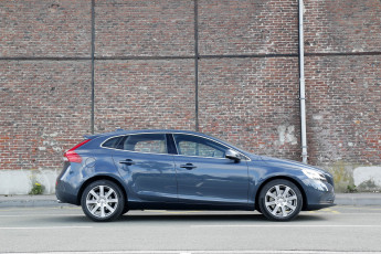 Картинка автомобили volvo v40 d4 inscription 2016г