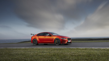 Картинка jaguar+xe-sv+project-8+2018 автомобили jaguar 2018 project-8 xe-sv