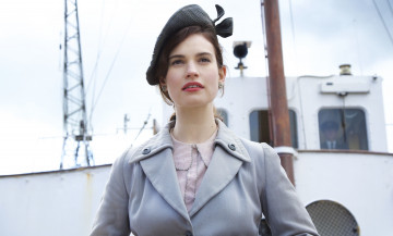 обоя кино фильмы, the guernsey literary and potato peel pie society, the, guernsey, literary, and, potato, peel, pie, society, актриса, пальто, корабль, шляпа, lily, james, juliet, ashton