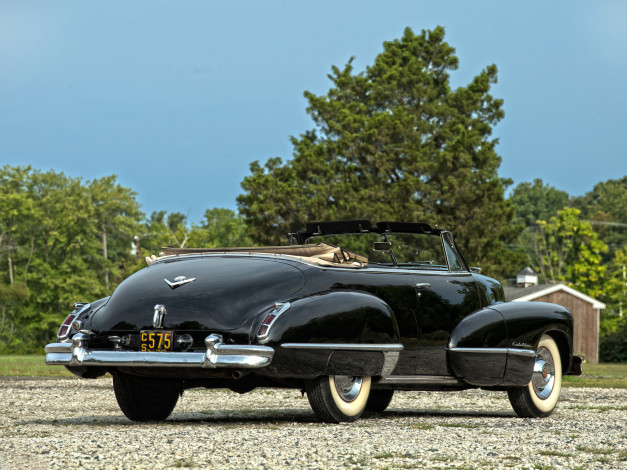 Обои картинки фото cadillac sixty two convertible 1943, автомобили, cadillac, sixty, two, convertible, 1943