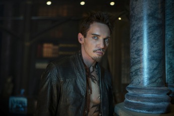 Картинка the mortal instruments city of bones кино фильмы jonathan rhys meyers