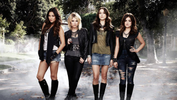 Картинка кино+фильмы pretty+little+liars troian bellisario lucy hale ashley benson shay mitchell