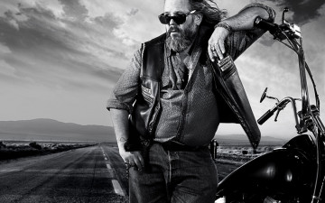 обоя кино фильмы, sons of anarchy, хайвей, очки, байкер, мотоцикл
