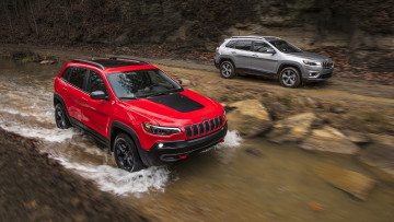 обоя jeep cherokee trailhawk and cherokee limited 2019, автомобили, jeep, 2019, limited, cherokee, trailhawk