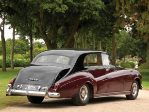Картинка rolls-royce+silver+cloud+lwb+saloon+by+james+young+1962 автомобили rolls-royce silver cloud lwb saloon james young 1962