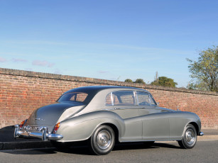 обоя rolls-royce silver cloud lwb saloon by james young 1965, автомобили, rolls-royce, silver, cloud, lwb, saloon, james, young, 1965