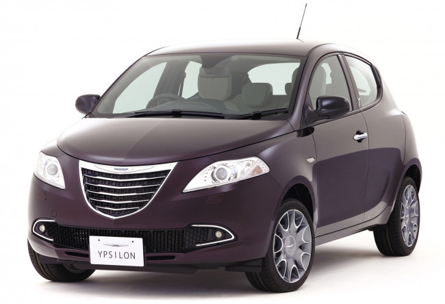 Обои картинки фото chrysler ypsilon purple 2013, автомобили, chrysler, 2013, purple, ypsilon