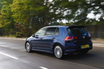 Картинка автомобили volkswagen r-line golf 5-door uk-spec