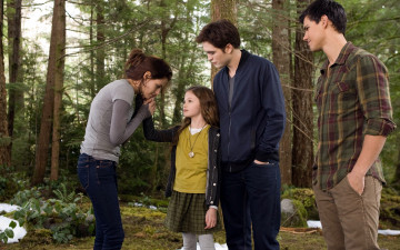 Картинка кино+фильмы the+twilight+saga +breaking+dawn+part+2 bella edward renesmee