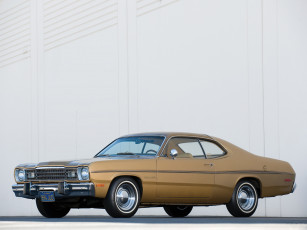 обоя plymouth gold duster 1973, автомобили, plymouth, 1973, duster, gold