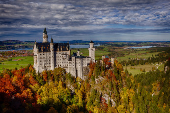 Картинка neuschwanstein castle bavaria germany города замок нойшванштайн германия лес скала осень бавария