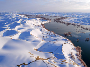 Картинка природа зима trees china dunes winter landscape river nature snow snowy sky water