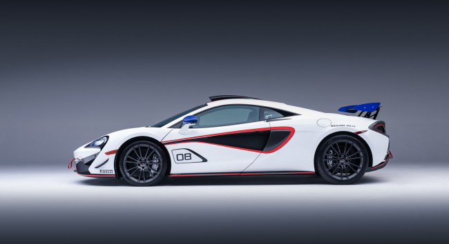 Обои картинки фото mclaren 570s gt4-mso x no8 white red and blue accents 2018, автомобили, mclaren, 570s, gt4-mso, x, no8, white, red, blue, accents, 2018