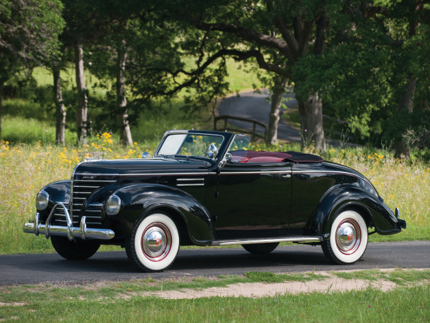 Обои картинки фото plymouth deluxe convertible coupe 1939, автомобили, plymouth, 1939, deluxe, coupe, convertible