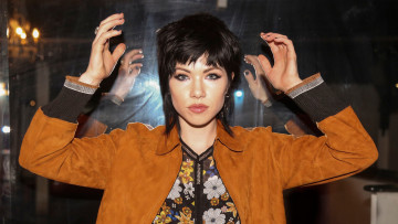 обоя музыка, carly rae jepsen, жест