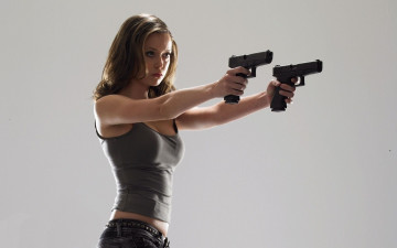 обоя кино, фильмы, terminator, the, sarah, connor, chronicles, ствол, summer, glau